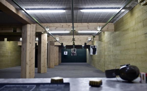 Wnętrze strzelnicy VIP w Olsztynie